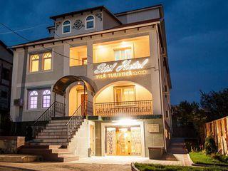 Banca vinde casa, 9 dormitoare