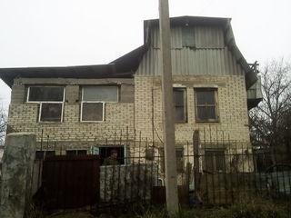 Продаю срочно 6 соток в Тогатено 1-я линия дом дача 5 км от Кишинева