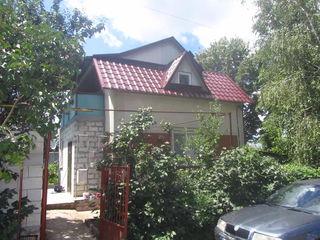 Продается 2-ух этажный котельцовый дом-дача 75кв.м. на 6 соток земли в Думраве