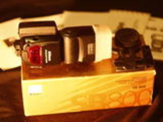 Nikon SB-800 (4000 лей)