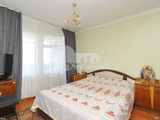 Apartament 3 camere, 73 mp, mobilat, str. Nicolae Costin 42000 €