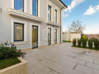 Vanzare  Casa, str. Lacului 329000 €