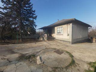 Casa in centrul comunei Ciorescu!!!