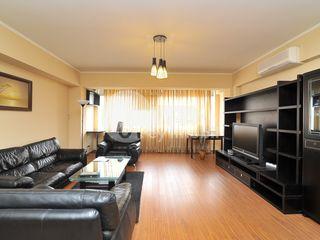 Apartament cu 2 camere, reparație euro, Centru, 400 € !