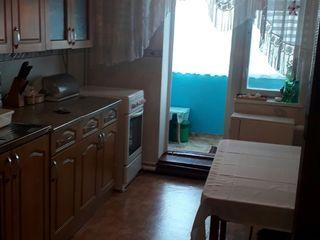 Vând apartament în Rezina