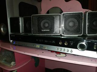 Home Boxe 5.1+amplificator.