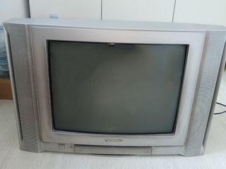 телевизор панасоник в отличном состоянии