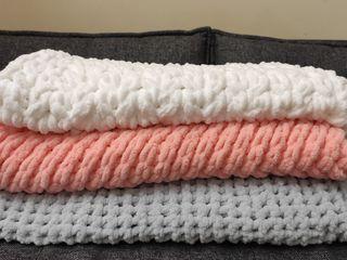 Теплые мягкие пледы ручной вязки / pături moi tricotate manual