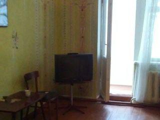 Квартира в Дубасары,3 комнаты,66 м/2 с балконом,пл. 7 м, сарай и погреб !!!