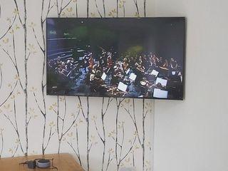 Установка телевизоров на стену.