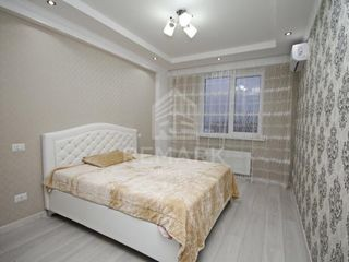 Chirie  Apartament cu 2 odăi, Centru,  str. Alexandru Cosmescu, 350 €