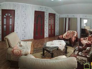 Casa 200m2, 30 ari in s. Iarova, r. Soroca
