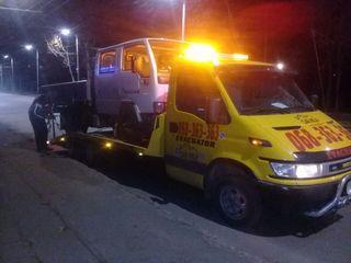 Evacuator Chisinau 24/24 la pret foarte accesibil. Evacuator pentru utilaje si tractoare 15T