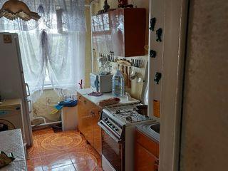 Se vinde apartament cu 3 camere / Anenii Noi s. Maximovca