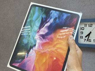 iPad Pro 12.9-inch 256gb WiFi . запечатанный 2020