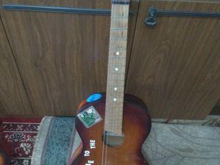 гитара 400лей