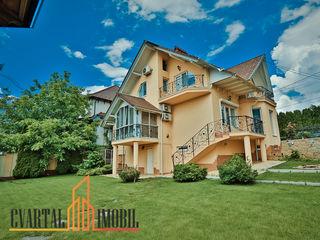 Vă propunem spre vânzare o casă excepțională în 2 nivele + demisol, in zona de elita! 350 000 €