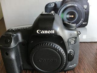 Canon 5D mark iii +grip