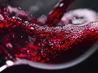 Домашнее красное вино Vin rosu de casa