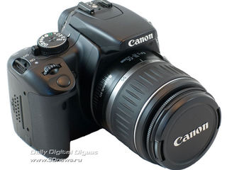 Зеркальный японский полупрофессиональный фотоаппарат Canon