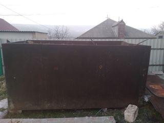 Vind cisterna7 tote stare buna lungimea 3m inaltimea 1.40 latimea 1.35mcrosimea la metal 4 milimetri
