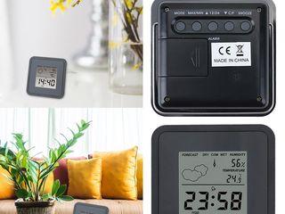 Настольные  часы-метеостанция.  Можно поставить на стол, под монитор и т.д. и т.п.  Есть будильник.