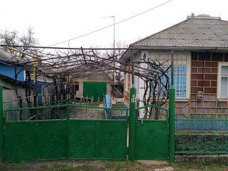 Se vinde sau se scimba pe apartament o gospodarie in orasul Drochia