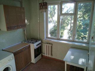 Сдается 1 комнатная квартира семье длительно.