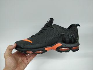 nike tn plus black-orange V