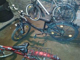 Se vind biciclete diferite