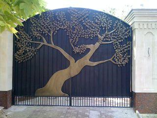 Ворота, козырьки, решётки,Porti simple si forjate  , перила, заборы и другие изделия из металла.