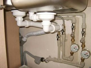 Устранение протечек,замена,труб,стояков!канализация,водопровод!душкабина,бойлеры,унитазы,краны!