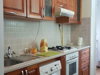 Se vinde apartament cu 2 camere la Telecentru, de la stapan
