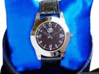 Идеальный подарок - Мужские эксклюзивные классические часы от Oriflame!