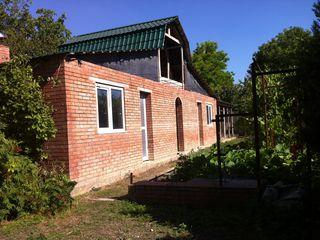 Vind casa, gospodarie buna in satul Ignatei sau schimb pe apartament in chisinau