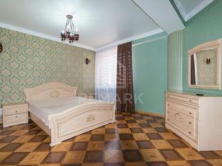 Chirie Apartament cu  2 camere, Centru, str. Melestiu, 450 €