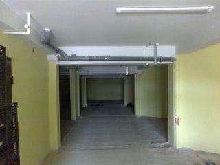 Продается склад/ Se vinde depozit 500m2 + 2 офиса/oficii x 20m2 cu euroreparatia- 128000 евро