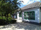 Продам дом, 9 соток в г.Унгены, ул.Плэмэдялэ 77