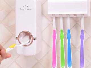 Дозатор для зубной пасты и  держатель щёток.красиво и качественно!