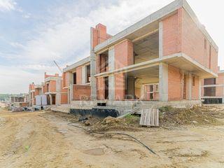 Se vinde casă in stil modern, Poiana Pinului, 150000 €