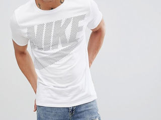 Только оригинальные футболки Nike и Convers все по 199 лей!
