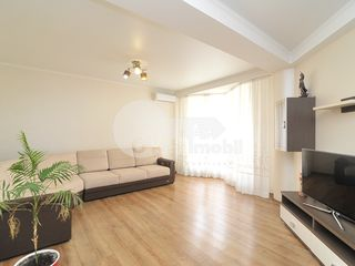 Apartament cu 1 cameră, reparație euro, Centru, str. Melestiu 300 €