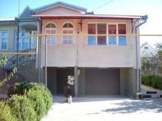 Дом в мун Бэлць с.Садовое  центральная  улица села с большим участком земли 40 соток