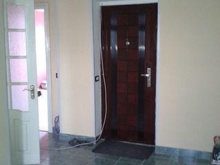 продается 2х комнатная квартира в р-не центрального рынка.