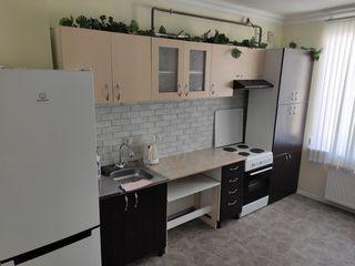 Продается 1-комнатная квартира 38 кв.м. с автономным отоплением в новостройке с мебелью возле ТЦ Pla