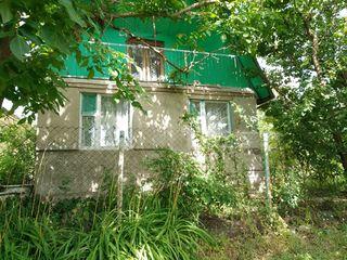 Продается два дачных участка общая площадь 12 соток пригород Бельц до села Садовое остановка рейсово