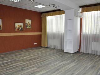 Chirie, oficii, Centru, Ștefan Cel Mare, 67m2, euroreparație, vis a vis de Universitatea de Medicină