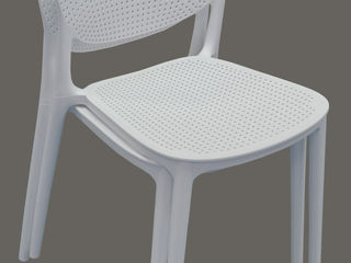 Крепкий стул для ресторанов баров и кафе. Изготовлен из очень прочной высокотехнологичной пластмассы