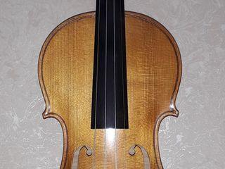 Скрипки, альт.