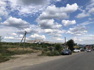 Poltavca 10 ari la intersectie cu sectorul Dumbrava aproape de sosea